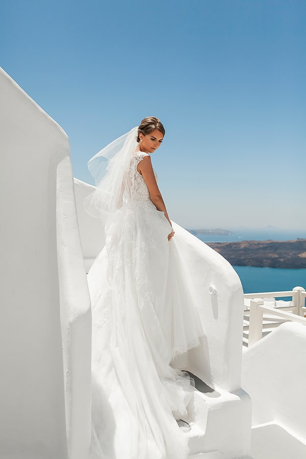 romantic-intimate-blue-white-wedding-santorini_13