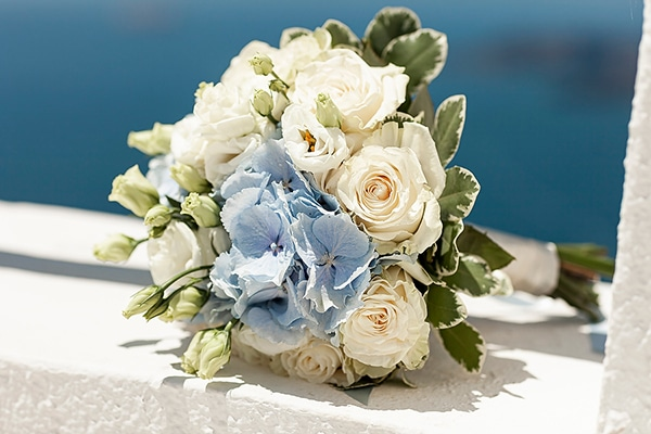 romantic-intimate-blue-white-wedding-santorini_13x