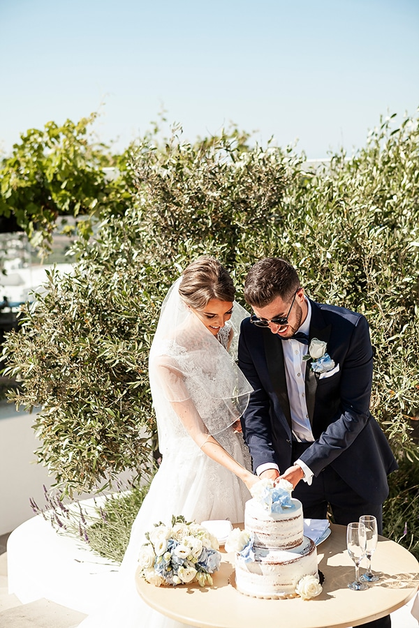 romantic-intimate-blue-white-wedding-santorini_35