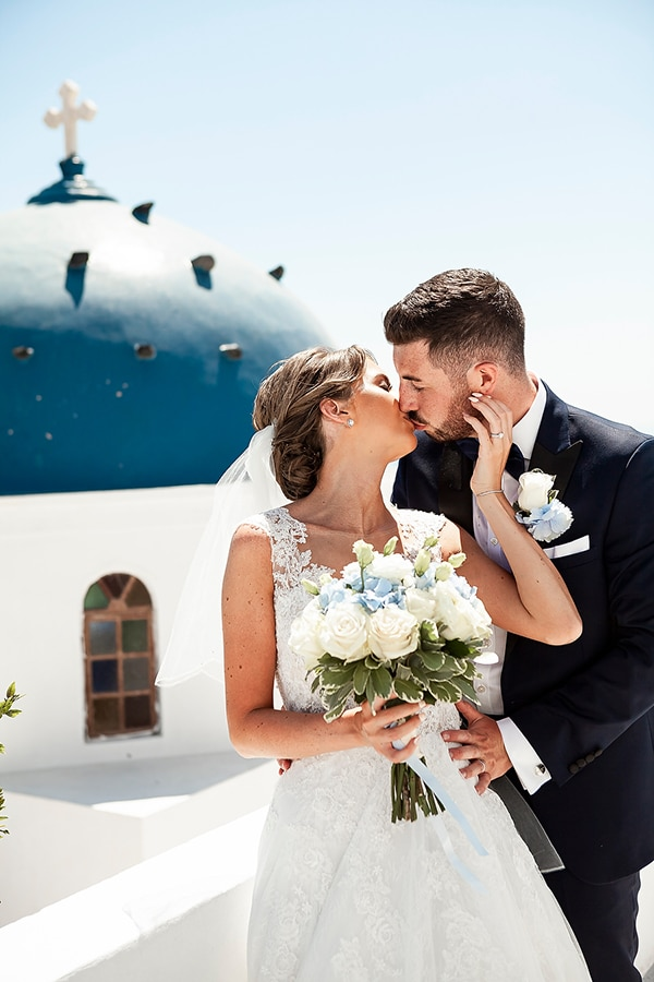 romantic-intimate-blue-white-wedding-santorini_37