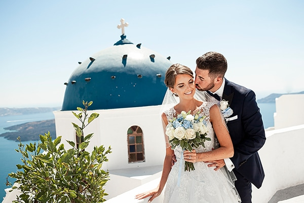 romantic-intimate-blue-white-wedding-santorini_38