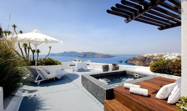 unforgettable-honeymoon-santorini-ikies-traditional-houses_06