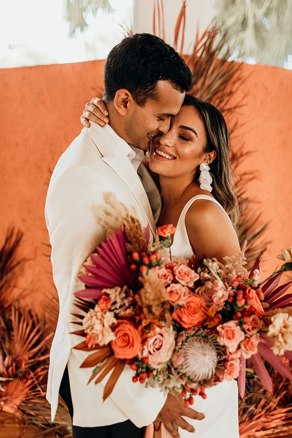 vibrant-coral-styled-shoot-with-retro-touches_12