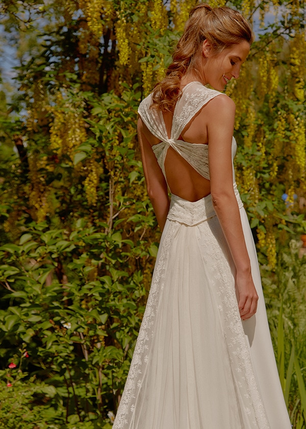 feminine-beautiful-wedding-dresses-chic-bridal-look_13x