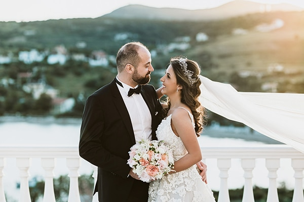 romantic-summer-wedding-sounio-wonderful-view_00