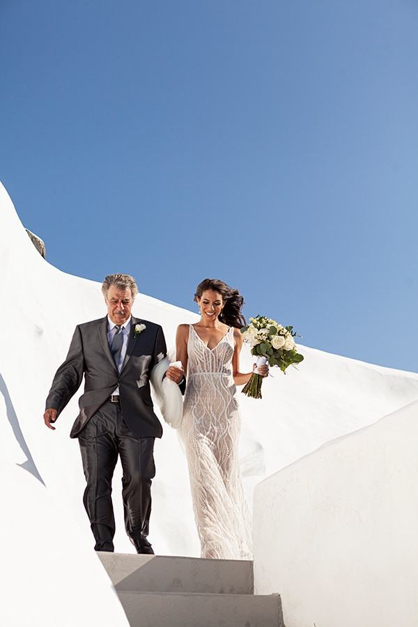 romantic-wedding-santorini-white-fresh-flowers-greenery_21