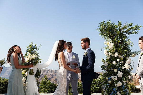 romantic-wedding-santorini-white-fresh-flowers-greenery_23