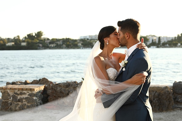 dreamiest-greek-island-wedding-purple-hues_01