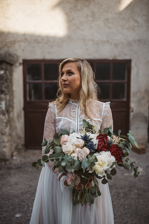 romantic-wedding-slovenia-rustic-natural-elements_07x