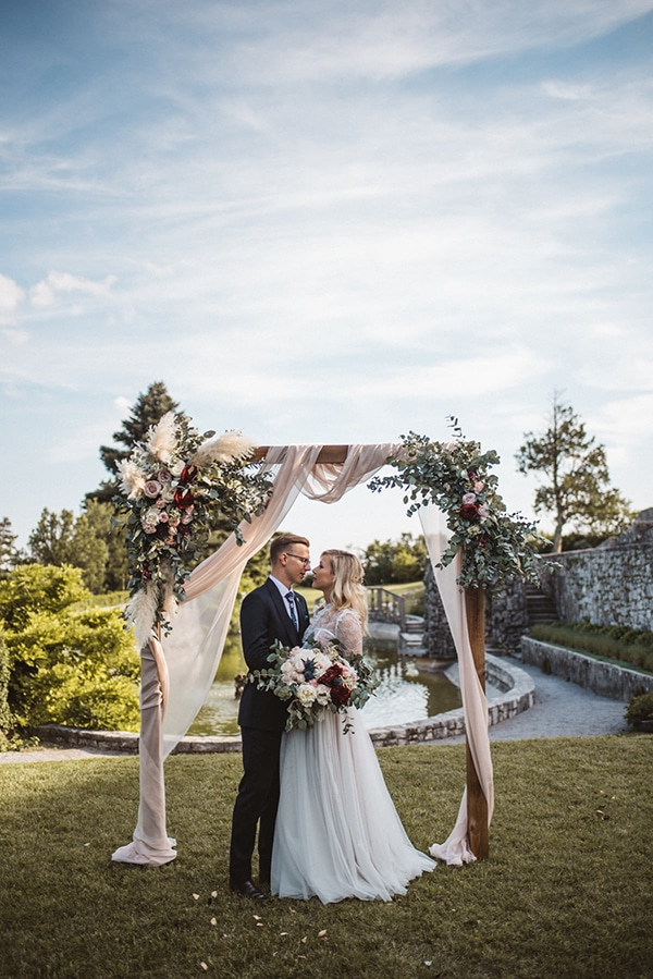 romantic-wedding-slovenia-rustic-natural-elements_18