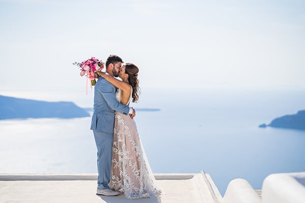 beautiful-intimate-santorini-wedding-fresh-fuchsia-flowers_03