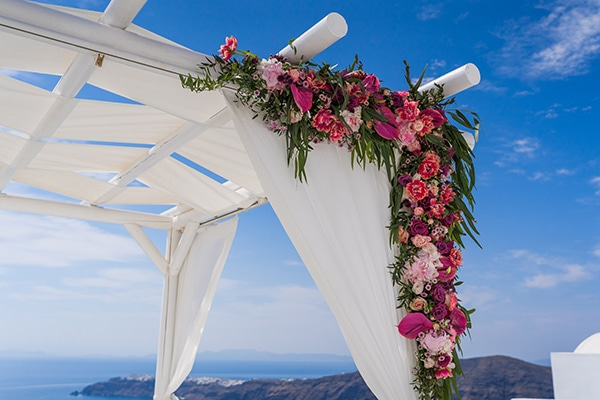 beautiful-intimate-santorini-wedding-fresh-fuchsia-flowers_09