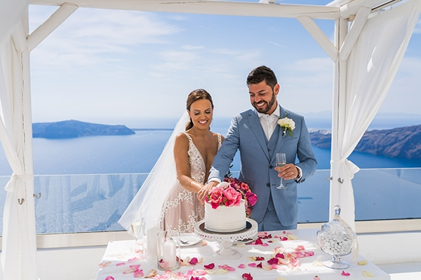 beautiful-intimate-santorini-wedding-fresh-fuchsia-flowers_18