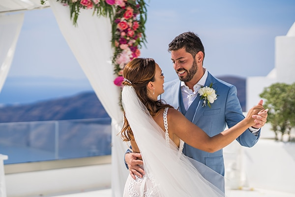 beautiful-intimate-santorini-wedding-fresh-fuchsia-flowers_19