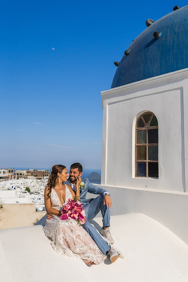 beautiful-intimate-santorini-wedding-fresh-fuchsia-flowers_23