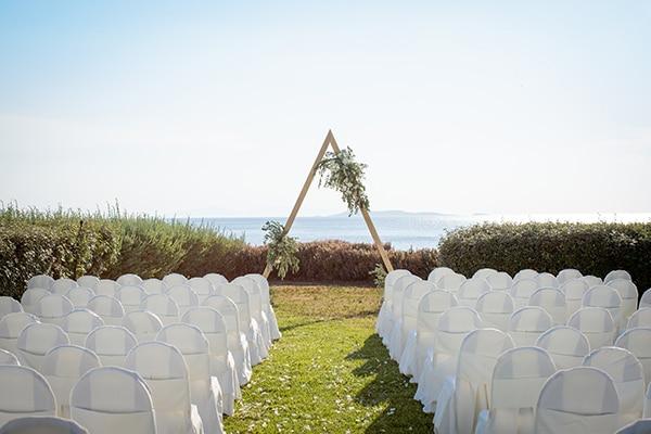 gorgeous-natural-wedding-athens-white-flowers_18