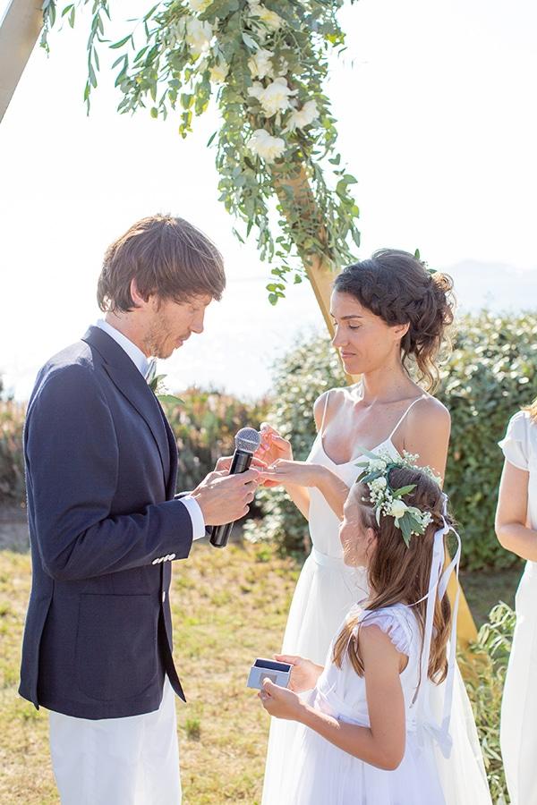 gorgeous-natural-wedding-athens-white-flowers_24