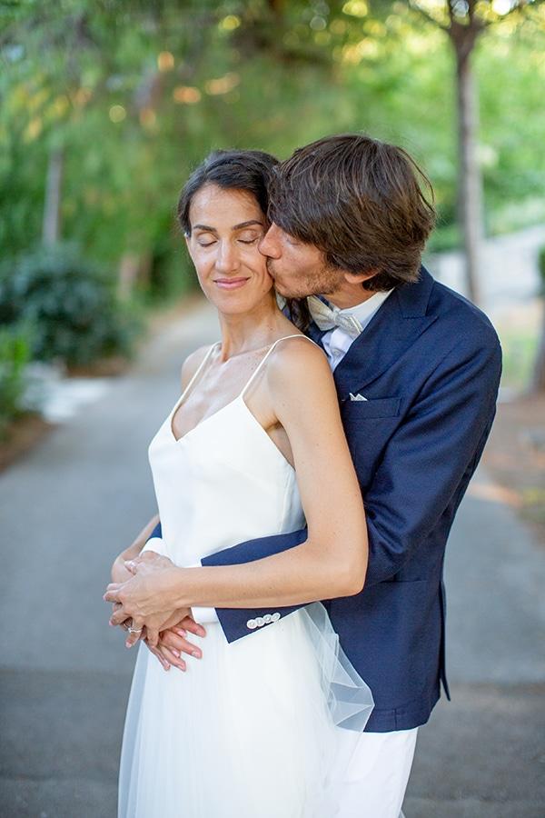 gorgeous-natural-wedding-athens-white-flowers_37
