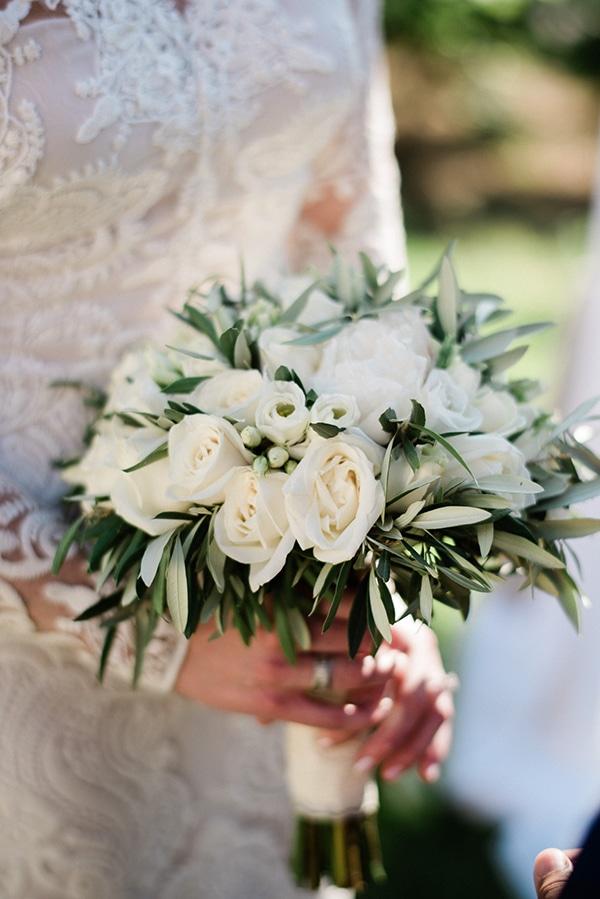 intimate-destination-elopement-crete-greenery-white-flowers_12