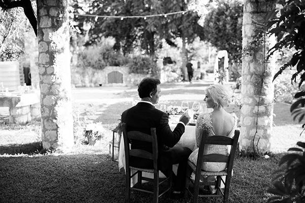 intimate-destination-elopement-crete-greenery-white-flowers_17x