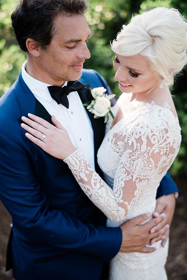 intimate-destination-elopement-crete-greenery-white-flowers_19