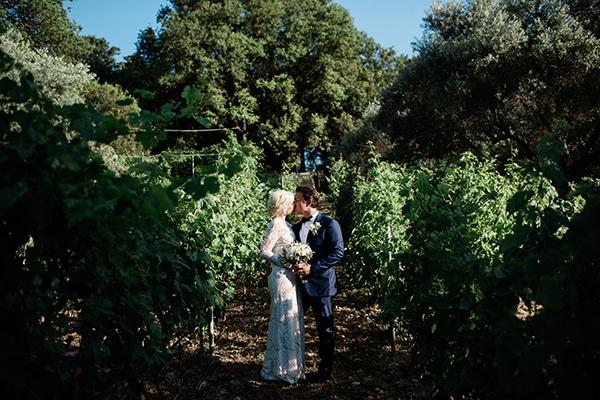 intimate-destination-elopement-crete-greenery-white-flowers_21