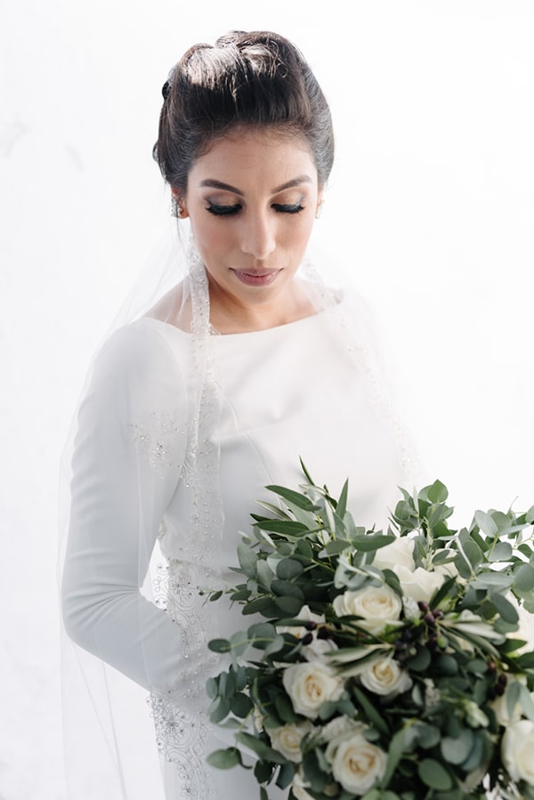 intimate-elegant-wedding-white-roses-olive-branches_08
