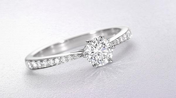 sparkly-unique-rings-engagement_01