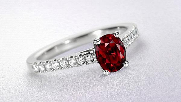 sparkly-unique-rings-engagement_03
