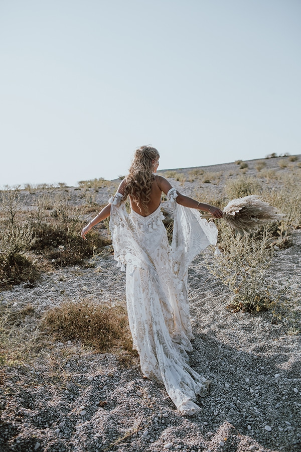 bohemian-style-wedding-lefkada-abundance-earthy-colors-and-textures_02