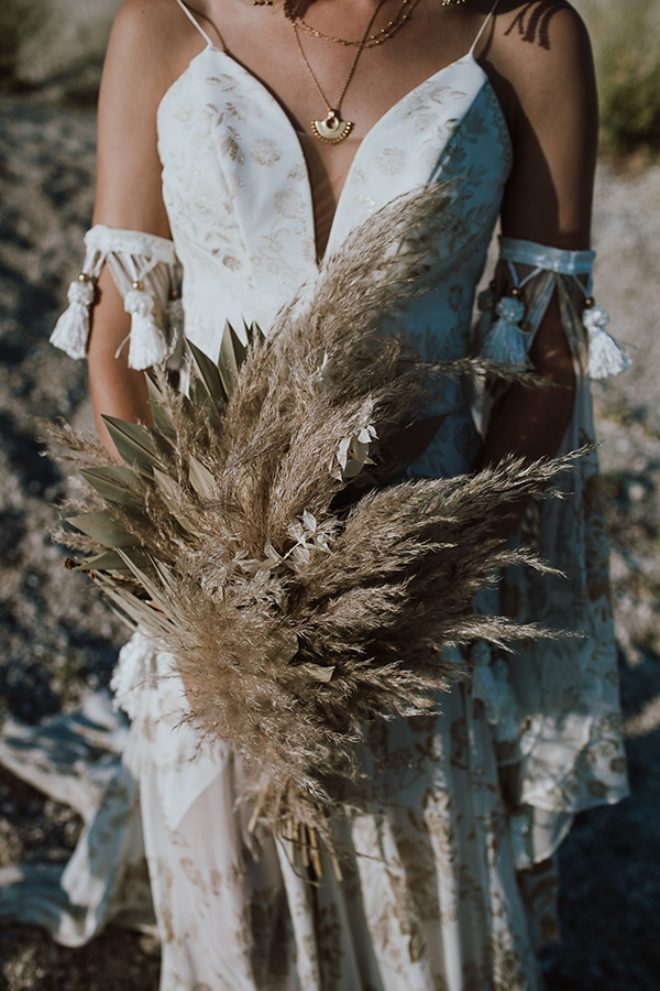 bohemian-style-wedding-lefkada-abundance-earthy-colors-and-textures_03