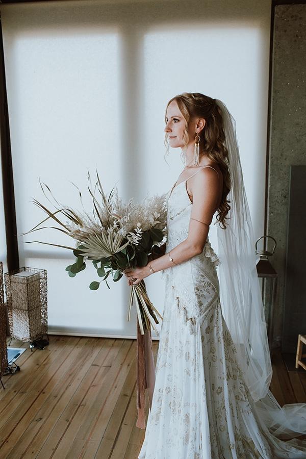 bohemian-style-wedding-lefkada-abundance-earthy-colors-and-textures_11