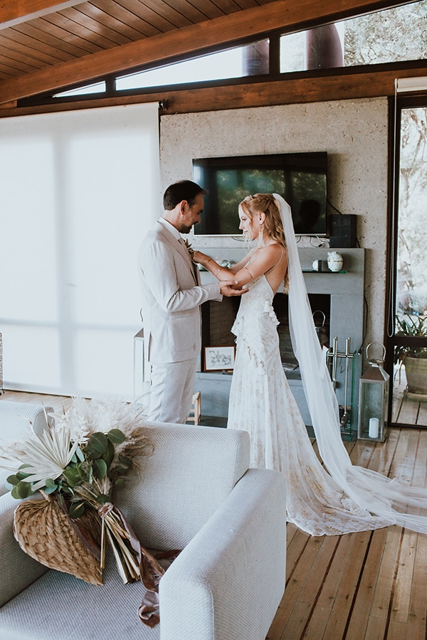 bohemian-style-wedding-lefkada-abundance-earthy-colors-and-textures_14