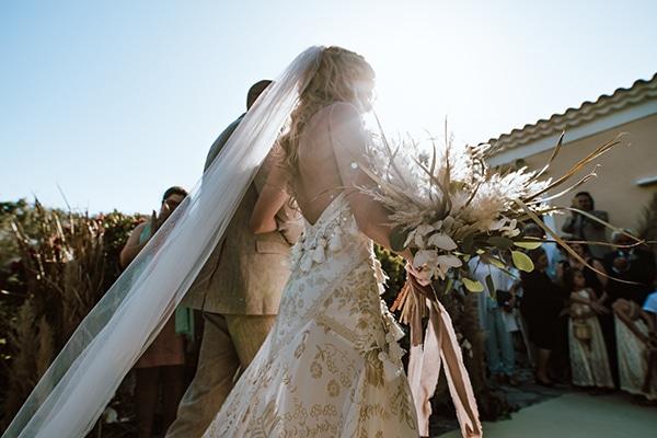 bohemian-style-wedding-lefkada-abundance-earthy-colors-and-textures_22