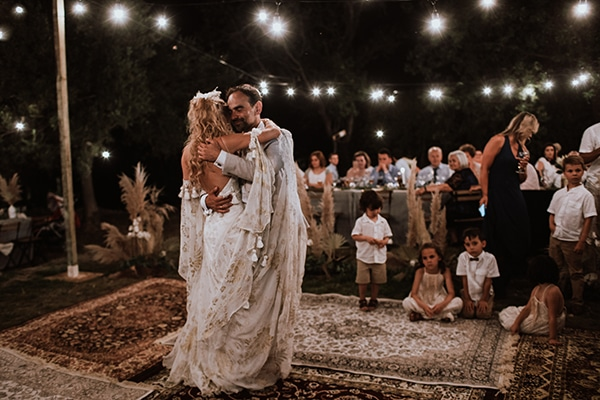 bohemian-style-wedding-lefkada-abundance-earthy-colors-and-textures_37