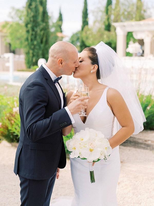 luxurious-wedding-kefalonia-neutral-color-hues_38