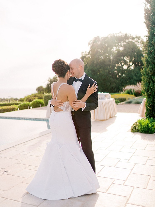 luxurious-wedding-kefalonia-neutral-color-hues_40