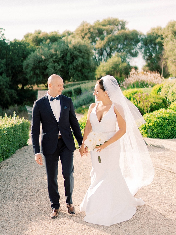 luxurious-wedding-kefalonia-neutral-color-hues_43