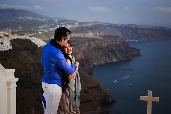 romantic-honeymoon-shoot-santorini_03x