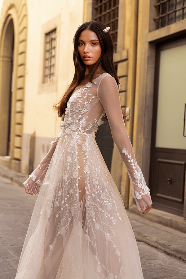sophisticated-boho-chic-berta-wedding-gowns-muse-berta-fw-2020_04