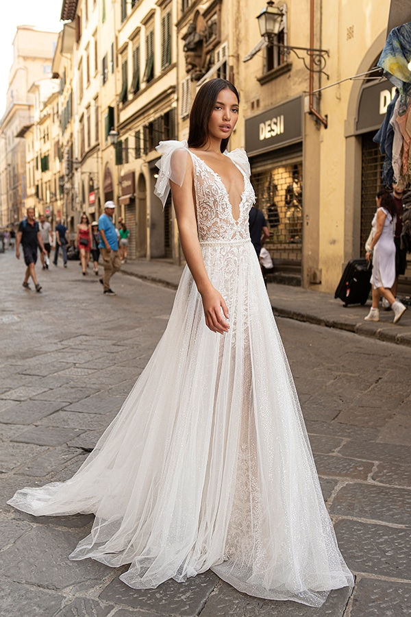 sophisticated-boho-chic-berta-wedding-gowns-muse-berta-fw-2020_05