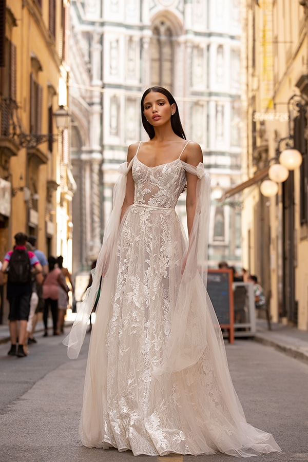 sophisticated-boho-chic-berta-wedding-gowns-muse-berta-fw-2020_06