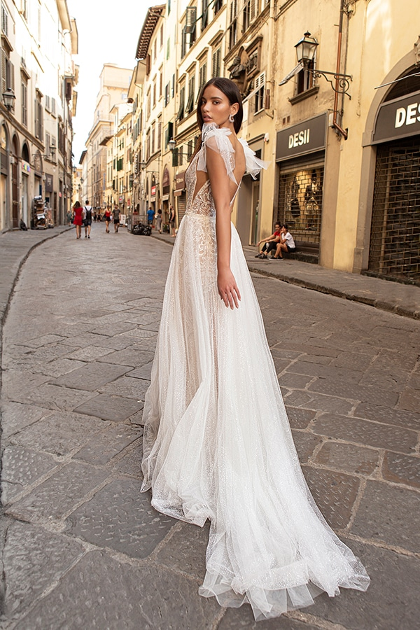 sophisticated-boho-chic-berta-wedding-gowns-muse-berta-fw-2020_10