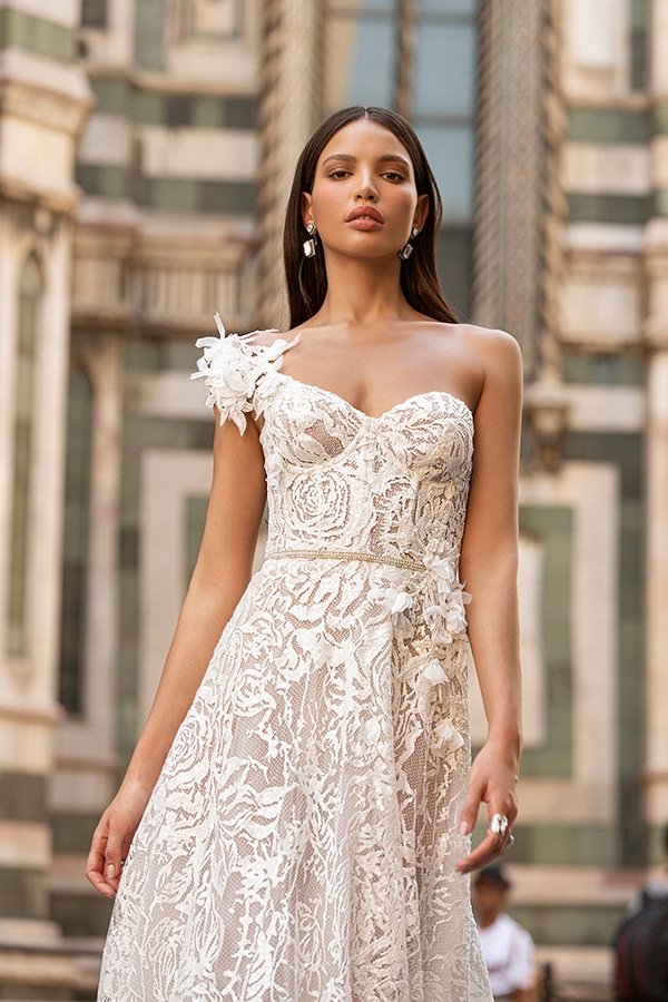 sophisticated-boho-chic-berta-wedding-gowns-muse-berta-fw-2020_11