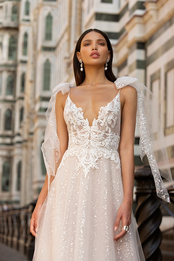 sophisticated-boho-chic-berta-wedding-gowns-muse-berta-fw-2020_14