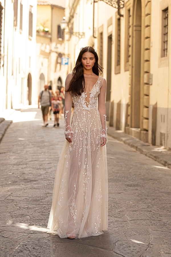 sophisticated-boho-chic-berta-wedding-gowns-muse-berta-fw-2020_16