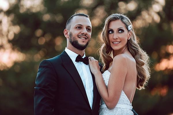 elegant-summer-wedding-athens-hanging-crystal-chandeliers-fresh-flowers_01x