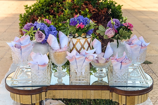 elegant-summer-wedding-athens-hanging-crystal-chandeliers-fresh-flowers_12