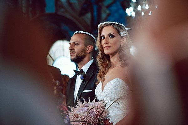 elegant-summer-wedding-athens-hanging-crystal-chandeliers-fresh-flowers_14