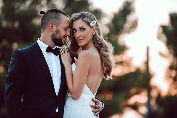 elegant-summer-wedding-athens-hanging-crystal-chandeliers-fresh-flowers_14x
